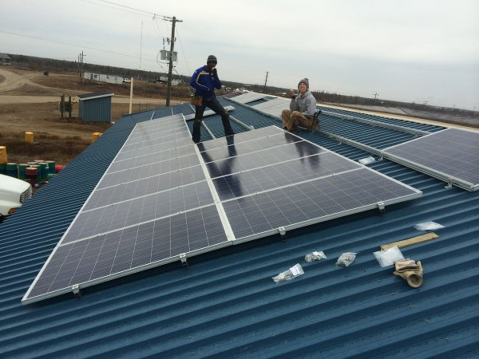 Fort Severn Solar Build